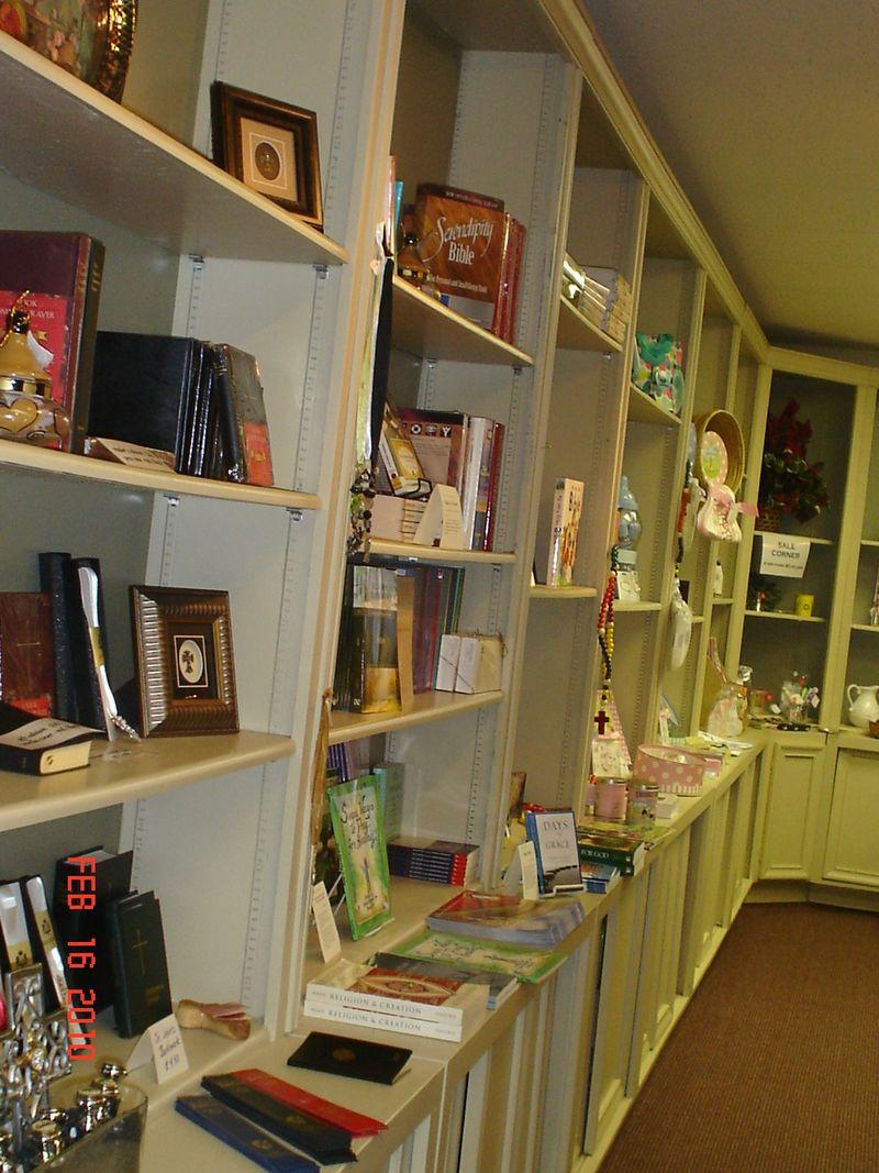 Bookstore 163